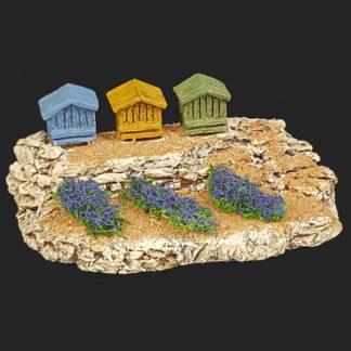 décors de crèche – Santons – ruches avec lavandes – Aubagne.jpg